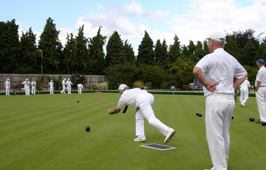 Lawn bowls under lights
