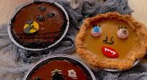 Decorate Your Own Halloween Pie at Pie Town