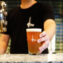 Craft-beer haven and boutique bottle shop Tapworks Bar & Grill arrives on the northern Gold Coast