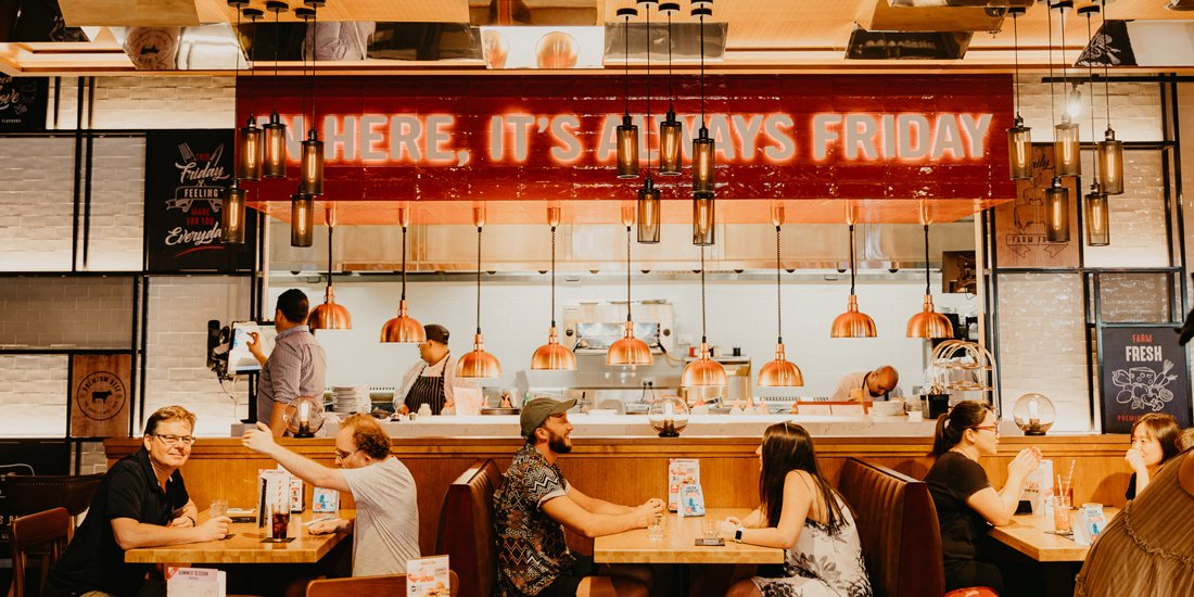 Iconic American bar and grill TGI Fridays opens its first Queensland venue on the Gold Coast